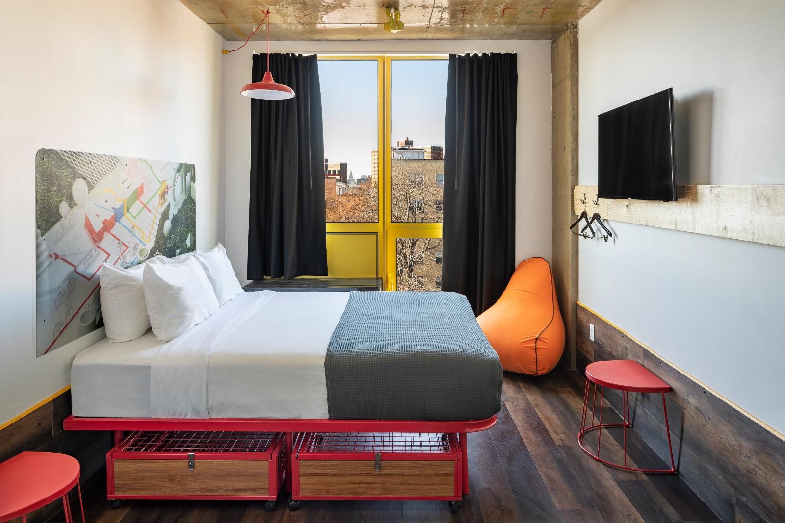 Sunny queen bed room
